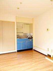 ロワール横浜 207号室のキッチン