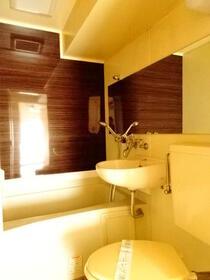 ロワール横浜 207号室の風呂