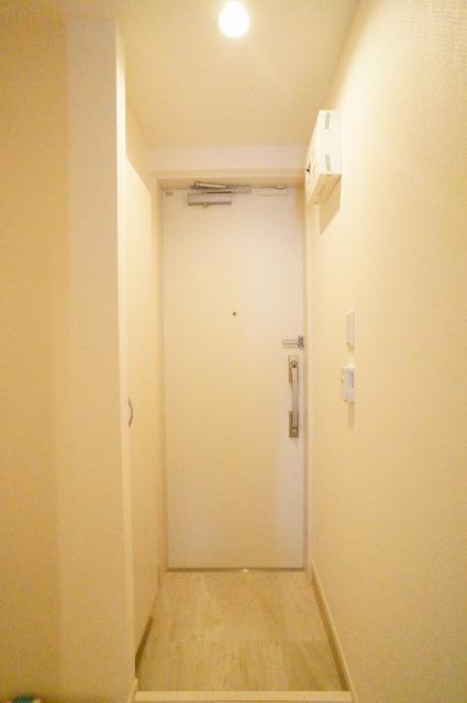 リブリ・ANGEL大和V 201号室の玄関