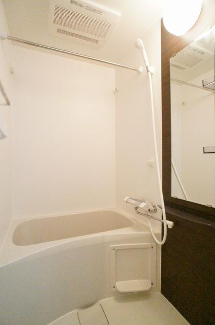 リブリ・ANGEL大和V 201号室の風呂