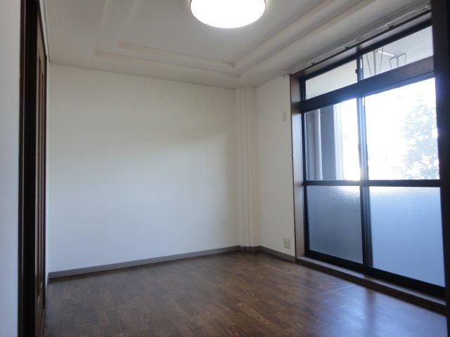 イーストピア笠松 102号室の玄関