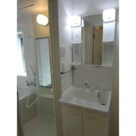 グランディール宮堀 302号室の洗面所