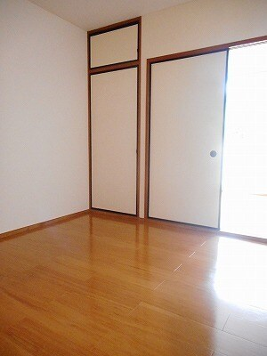 ヒカリハイツB 01030号室のトイレ