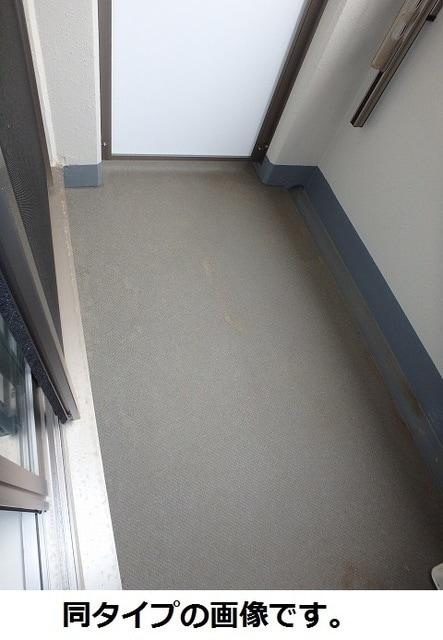 リバブルK 03030号室のバルコニー