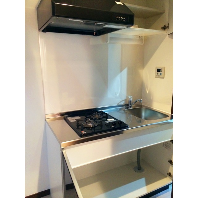 ベルビュー山手 103号室のキッチン