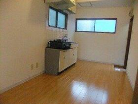 サンシオン四谷 205号室のキッチン