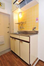 メゾン・ド・セレナード 0108号室のキッチン