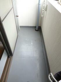 スカイコート西川口第8 301号室のバルコニー