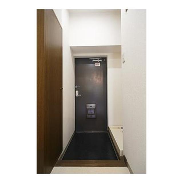 フォレスタ御苑前 304号室の玄関