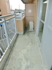 グランディール藤清 壱番館 207号室のバルコニー