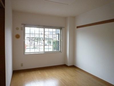 クレセントイワイ 01040号室のベッドルーム