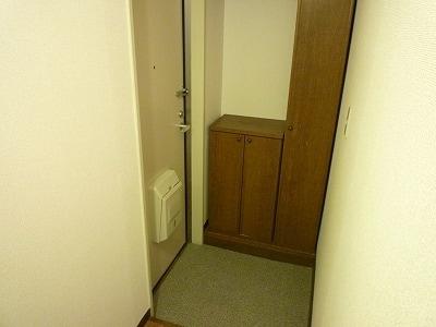 クレセントイワイ 01040号室の収納