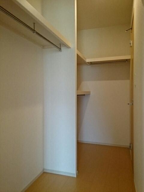 プルメリア B 01010号室の収納