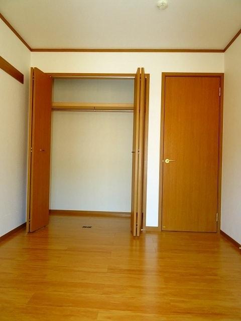 シャンリュエル 02010号室の収納