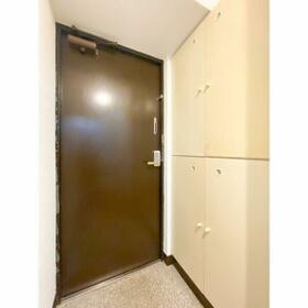 グランパーク西公園(旧サンコーポ西公園) 207号室の玄関