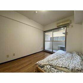 グランパーク西公園(旧サンコーポ西公園) 207号室のベッドルーム