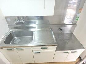 コーポメモワールA 102号室のキッチン