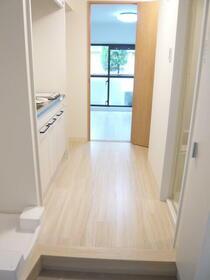 ユーコート中野 303号室の玄関