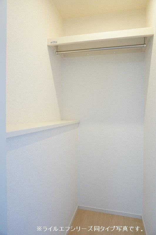 グラン トレゾール 01010号室の収納