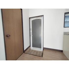 ライブハウスⅠB 103号室の玄関