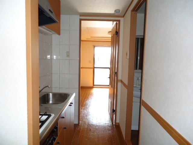 ドリームウィングB棟 102号室のキッチン