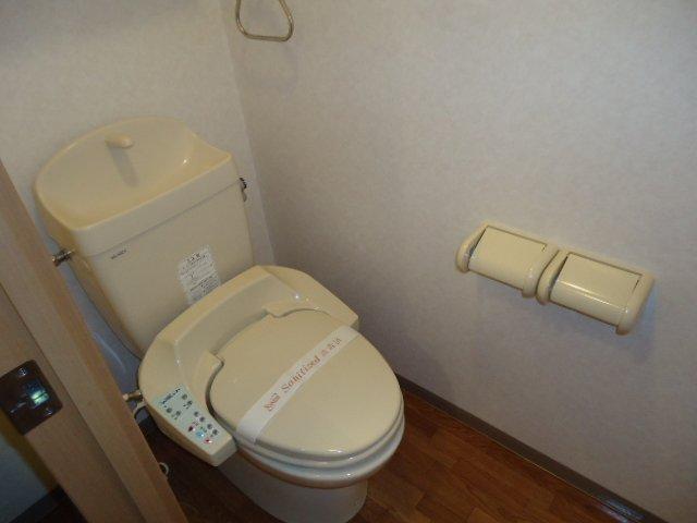 ドリームウィングB棟 102号室のトイレ