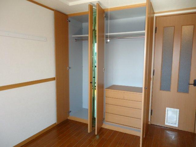 ドリームウィングB棟 102号室の収納