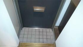 カミーリア 305号室の玄関