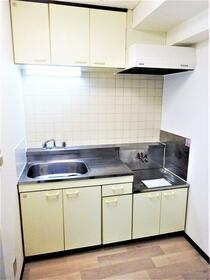 マードレT 302号室のキッチン