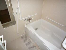 ベル・ドゥ・プレシーユ 202号室の風呂