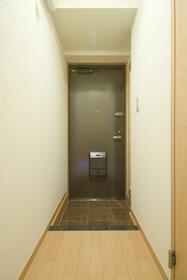 レジデンス吉野 302号室の玄関