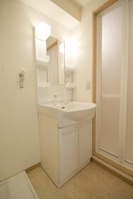 レジデンス吉野 302号室の洗面所