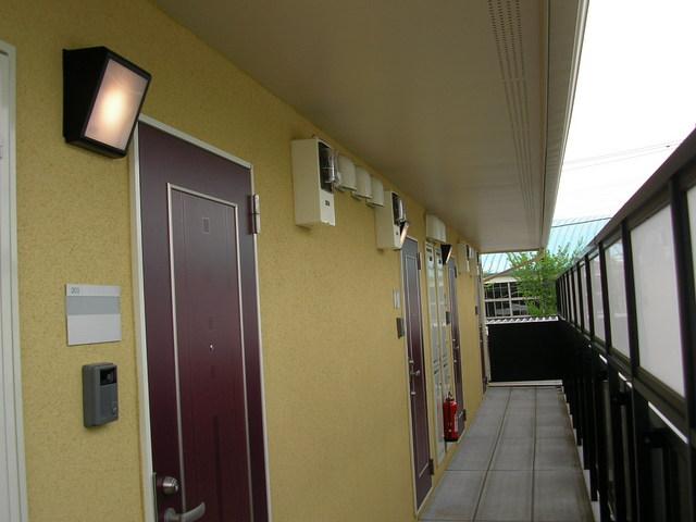 プレシア 102号室の玄関