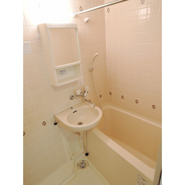プレール・ドゥーク大森 205号室の風呂