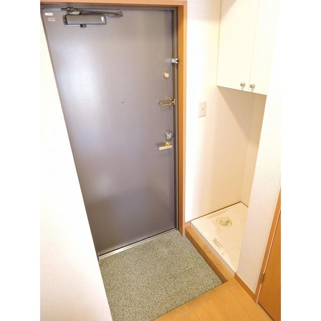 プレール・ドゥーク大森 205号室の玄関