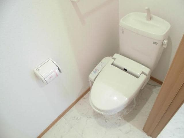 サン・ジェルメ 01020号室のトイレ