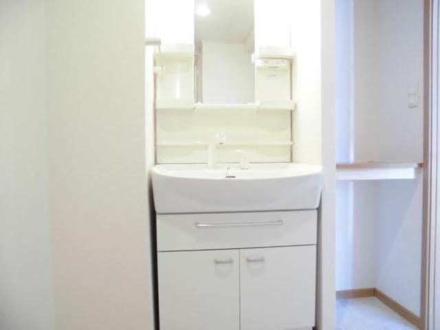 サン・ジェルメ 01020号室の洗面所