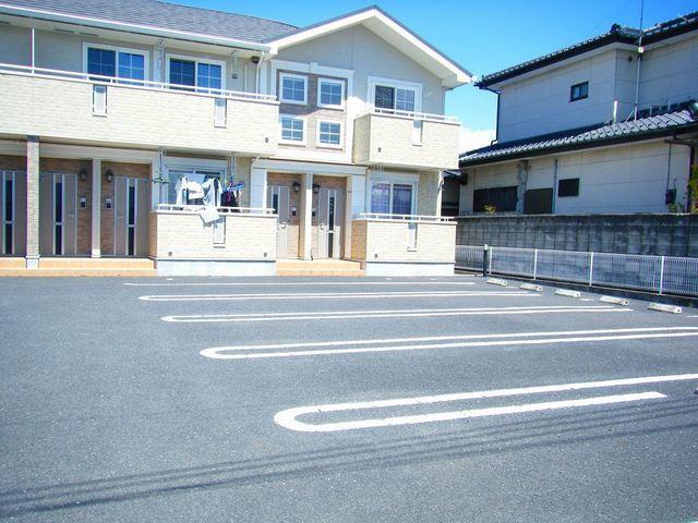 サン・ジェルメ 01020号室の駐車場