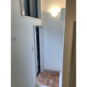 リカーサ浜田山 105号室の玄関