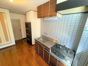 インペリアル別府 101号室のキッチン