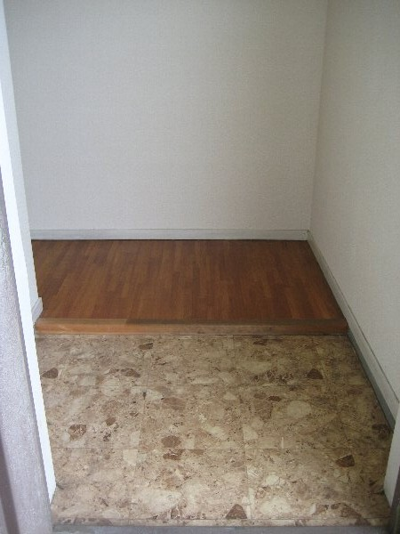 サンラフォーレ A202号室の玄関