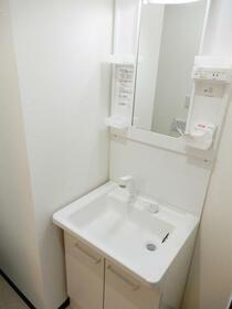 第12新井ビル 00101号室のトイレ