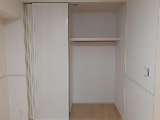 ロン・ボヌール 弁天池公園 Ⅰ 01010号室の収納