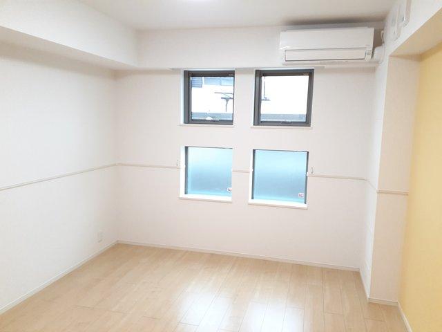 ロン・ボヌール 弁天池公園 Ⅰ 01010号室のリビング