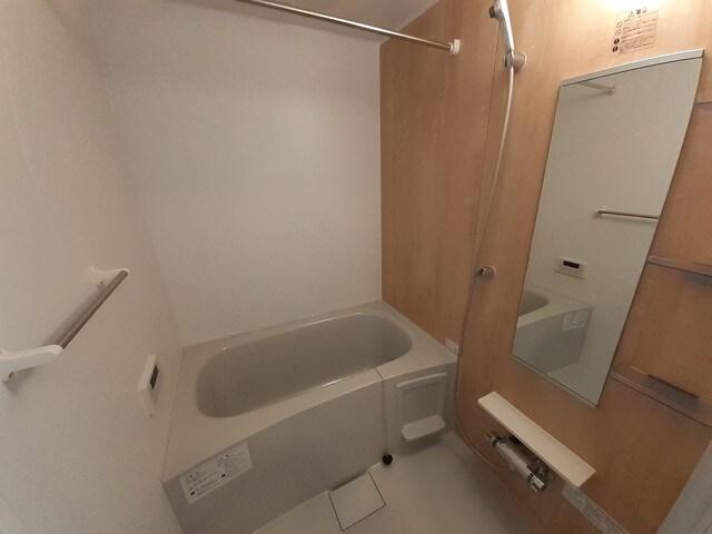 ロン・ボヌール 弁天池公園 Ⅰ 01010号室の風呂