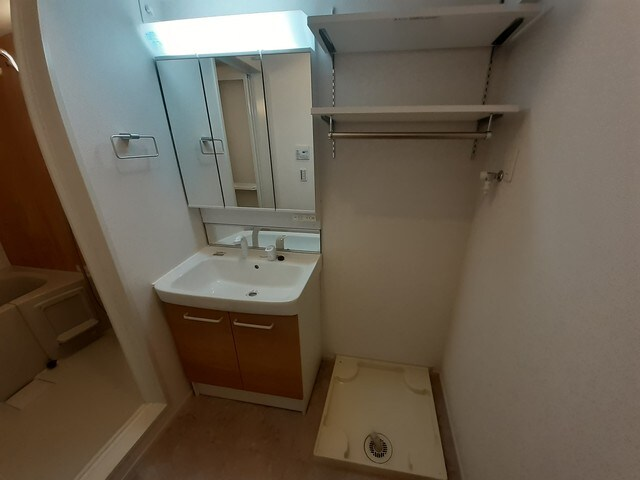 ロン・ボヌール 弁天池公園 Ⅰ 01010号室の洗面所