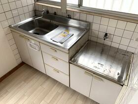ベルモント保土ヶ谷 209号室のキッチン