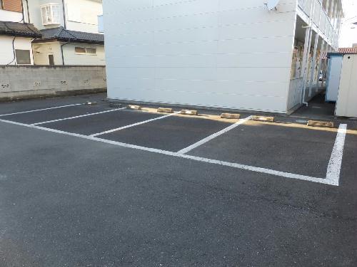 レオパレス志芸乃 104号室の駐車場