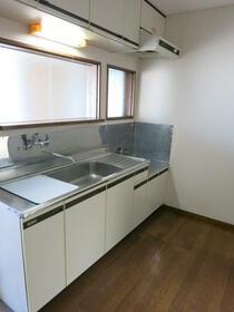 第一ハイツ成田 103号室のキッチン