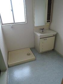 第一ハイツ成田 103号室の洗面所